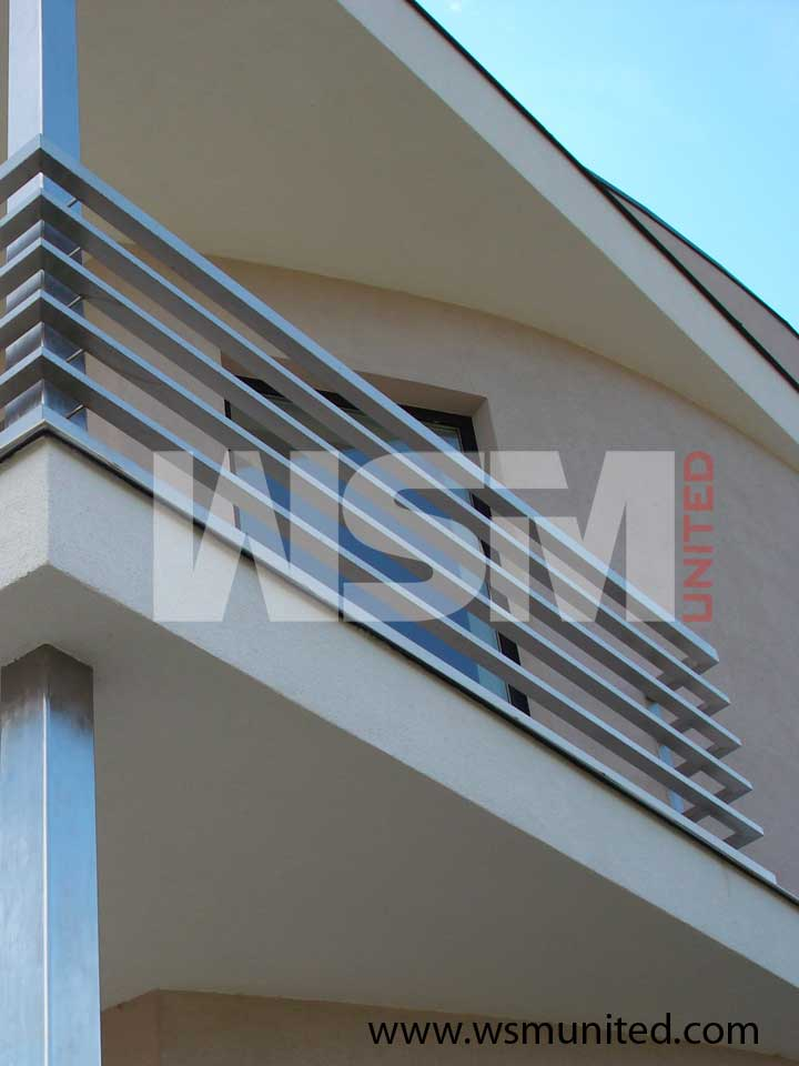 Bespoke balustrade contemporary railings wsmu ltd for Modern balcony railing design