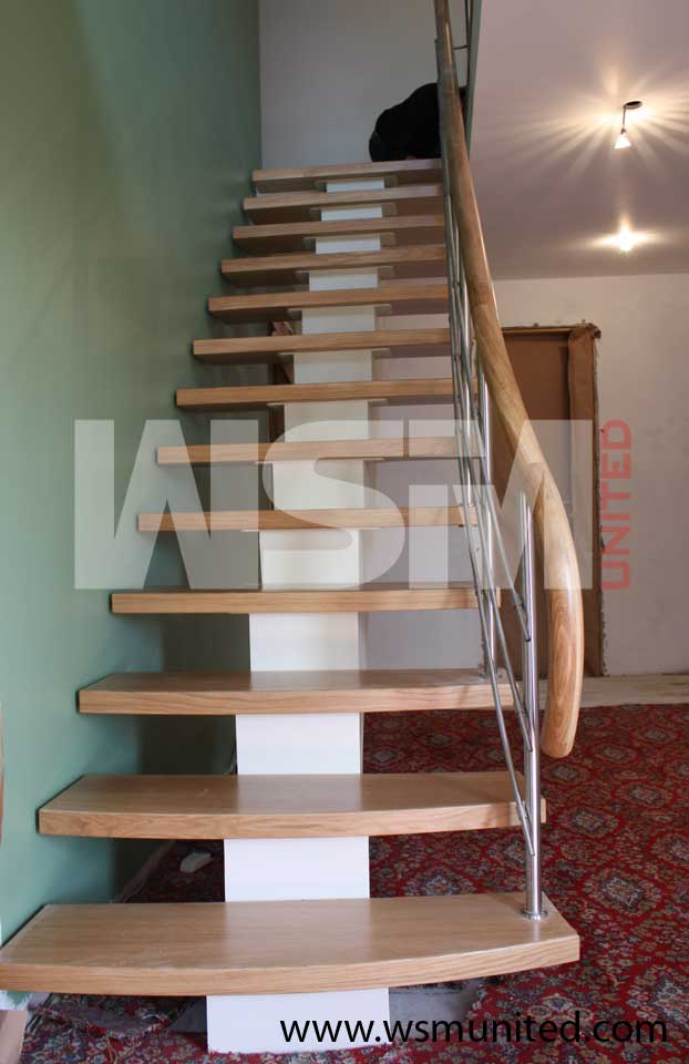 Bespoke Middle Support Stairs Contemporary Straight